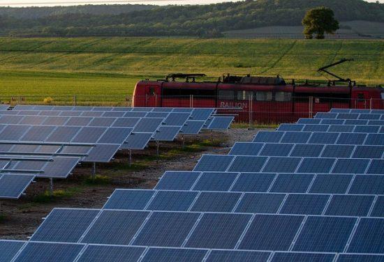 太陽光発電で発電した電気がすぐに売れない???2017年12月時点の状況